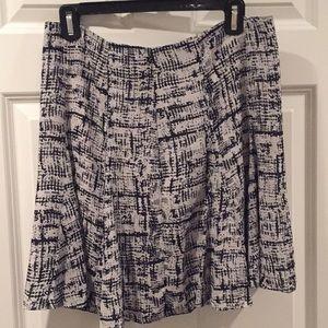 Navy & white skirt, Banana Republic Size 4, NWT